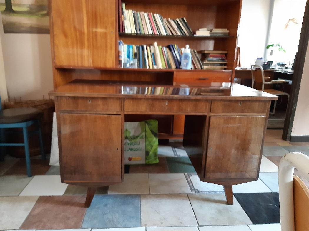 Renowacja biurka z lat 60-ych